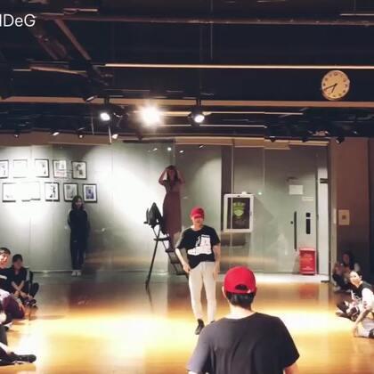 #不用去猜jony-j##舞蹈#用美拍记录自己的舞蹈😊 🎵:不用去猜 🧜♂️Danny #原创编舞#