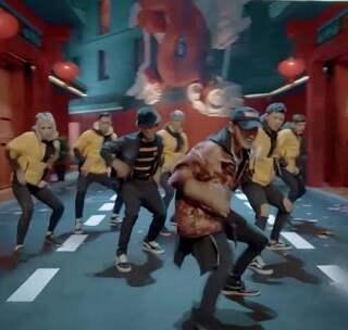 当《这就是街舞》的黄子韬遇见《热血街舞团》的鹿晗,你看好谁?#我要上热门##鹿晗##黄子韬#