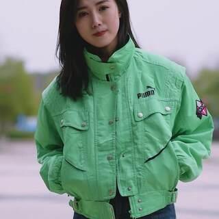 武汉街拍!工程大学时髦小姐姐好多啊,第一位长得有点像江铠同?#武汉##街拍##时尚穿搭#