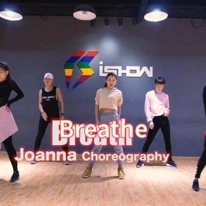 """#舞蹈##娟儿编舞##Breathe#【音乐🎵Jax Jones 《Breathe》自编。我的新舞哦,美舞一支!因为是带的队训,所以编排稍微比平时的舞难一些!我很喜欢这样舒服的表达方式!看多了大爵士看看""""中爵士""""也挺好!哈哈!】集训营咨询@南京IshowJazzDance"""