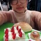 终于吃到心里的奶油味了,好了最近不会再吃了,适当给自己鼓励,运动还要继续啊@美拍小助手 #甜食蛋糕面包##我要上热门#
