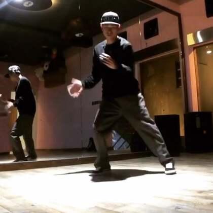 你们要的震感舞😄#舞蹈##i like 美拍#
