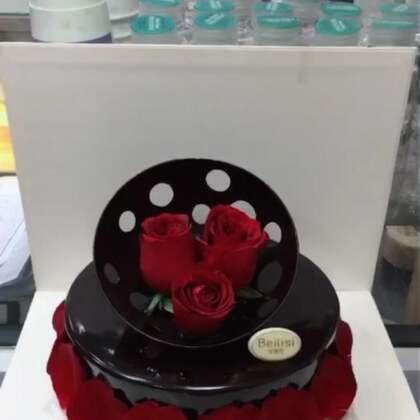 巧克力与玫瑰花更配哟❤️#美食##甜品##美食作业#