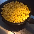 #生活小技巧# 这个厉害了,平底锅制作爆米花!👍