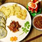在韩餐馆里非常地方受女生和宝宝喜爱的韩式土豆饼,又有营养又好吃,其实做起来非常简单,省时省力,食材简单,营养却不简单哦!2元钱土豆就可以做一大盘哦,大家一起做起来吧!#美食##美食作业##地方美食#