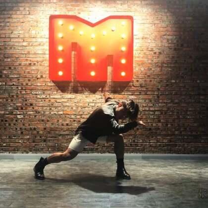 【Miss·Mister】张艺兴-偶像练习生-Mask 翻跳@MissMister-MoreLee #张艺兴偶像练习生##我要上热门##Miss·Mister舞蹈#