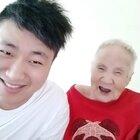 奶奶又骂上了,粉丝们想奶奶了,所以特意来看看奶奶,这不马上跟文哥又诉苦又告状都的……哎呀不要不要的😂#热门##搞笑##宝宝#