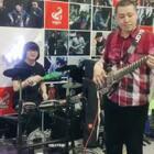 鼓手:刘鹏远,贝斯:郝浩涵