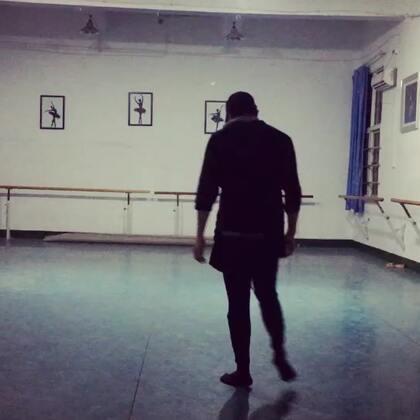 #现代舞即兴#每天,请给自己一点跳舞的时间。#舞蹈#