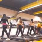 #跑步机舞# 这样子健身一点都不无聊啦!👏👏👏@美拍小助手 #精选##我要上热门#