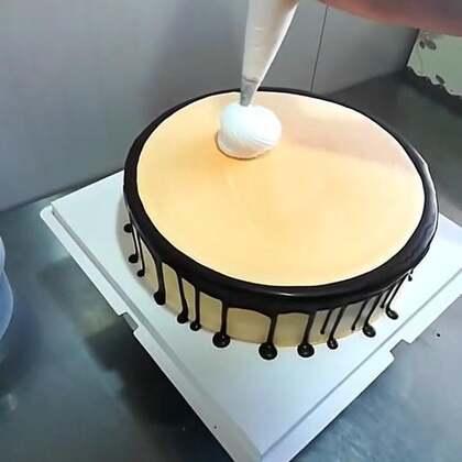 #美食##蛋糕##美食作业#夏天来了,吃个冰淇淋蛋糕😄,路过双击点亮小爱心❤️噢