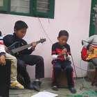 四个小孩组乐队唱Let her go,点赞点赞,换我连英语都读不下来,更别说唱了!😂