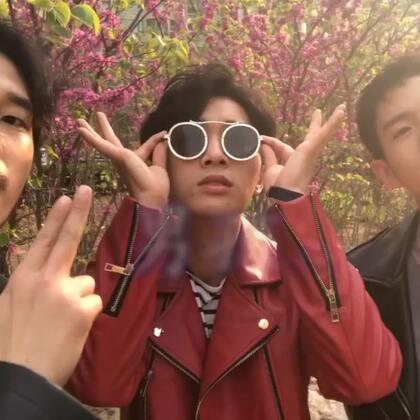 面对爱情的男孩 你们觉得会是什么样 欧巴中韩版《男孩》原创@梁博 告诉你这样的男孩需要你的爱 #音乐##我要上热门#@美拍小助手
