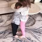 Louis不乖被我训斥了好委屈,可怜巴巴地望着姐姐求安慰,姐姐一抱他就笑了!太有爱了!姐姐好暖,给姐姐点赞👍👍👍#姐弟情深#系列😂#宝宝#