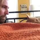 猫总是喜欢大半夜的叫,于是主人决定以其猫之道还治其猫之身......