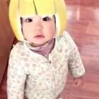 小家伙,这帽子时尚啊!😂😂😂#搞笑##宝宝##精选#