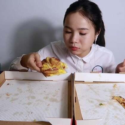 (2)吃播 必胜客新品 薄脆披萨 真的很好吃诶! 还有冰草和橙子~ 原速链接:http://www.bilibili.com/video/av22373647#吃秀#