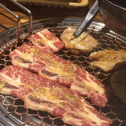 来烤肉呀~~#宠物##吃秀#