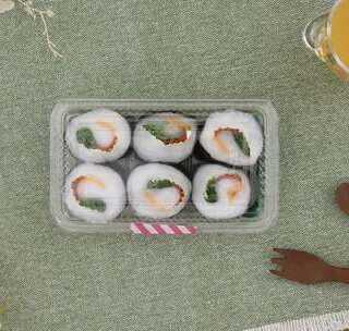 手工DIY:玩腻了市面上的过家家游戏?和宝宝一起来制作'寿司'吧!使用常见生活材料,轻轻一卷,逼真的寿司就做出来啦!小心不要让宝宝误食哦#宝宝##育儿# @美拍小助手 贝贝粒,让育儿充满欢笑。