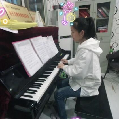 我们小译晗演奏《栀子花开》。满满回忆感的旋律,承载了多少对于学生时代的回忆,让我们跟着译晗的演奏,慢慢回忆吧👏👍