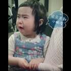 有一天,她刚吃完晚饭又想吃零食??#可爱吃货小萌妞##吃货小蛮#
