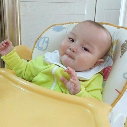 #宝宝#琛琛吃香蕉🍌