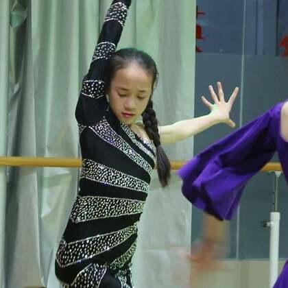 #舞蹈##拉丁舞#模拟赛-伦巴,请你当评委??