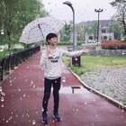 #我的假期日记##精选#你们所在的城市今天下雨了吗?不管晴天,雨天,保持一颗好心情就是快乐的一天!祝大家五一节快乐❤️@美拍小助手