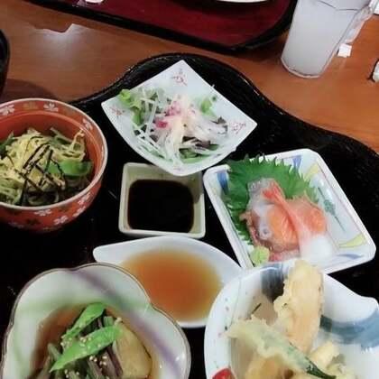 这家的日式料理真的超好吃😋@美拍小助手 @小慧姐在日本 今天我是主角😁爱你们么么哒😘#我的假期日记##吃秀##精选#