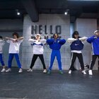 HELLO DANCE | 陈昱希 Choreo - Break My Habits#舞蹈##编舞#转身悸动和跳跃都是那么的潇洒,一身蓝光色运动套装简直让人秒变迷妹迷弟@HelloDance希希 @美拍小助手