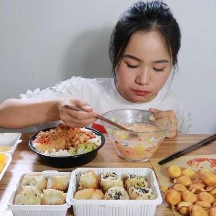吃播 韩式拌饭/生煎包/鸡蛋仔/橙子猕猴桃~ 原速链接:韩式拌饭/生煎包/鸡蛋仔/橙子猕猴桃~#吃秀#