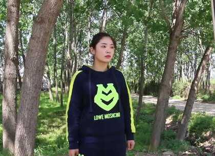 小伙感觉在农村没有发展,告别女友去北京打工了,三年后回来了!