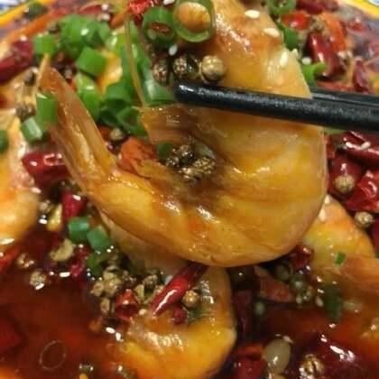 #香辣盆盆虾##热门##美食#@美食频道官方号 男神女神们你们喜欢这样的教程吗?喜欢扣1不喜欢扣2
