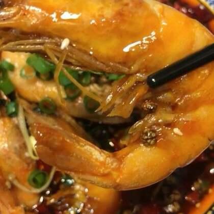 #我要上热门##美食##香辣盆盆虾#希望我的每一位粉丝,开心每一天,该吃吃该喝喝,遇事别往心里搁……