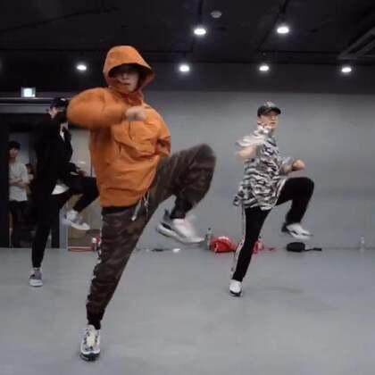 #舞蹈##1milliondancestudio# 【1M】Junsun Yoo编舞Stranger Things 更多精彩视频请关注微信公众号:1MILLIONofficial 微信客服请咨询:Million1zkk