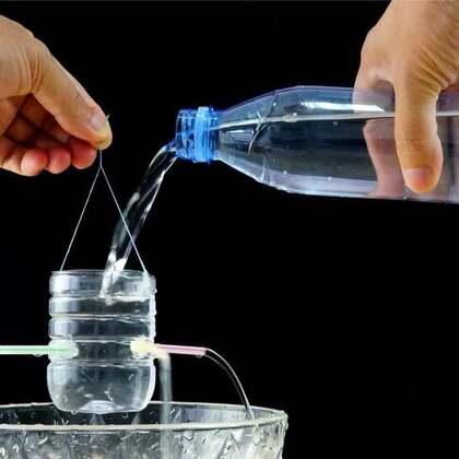 #手工#陪孩子做过这种水力飞碟吗?加水就能转,超好玩的#飞碟##科学小实验#