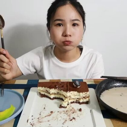 (2) 吃播 提拉米苏 豚骨拉面 小甜瓜~ 原速链接:http://www.bilibili.com/video/av23188191/#吃秀#