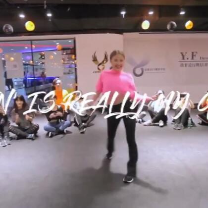 ibubu去年底来北京授课的官方视频 我从油管上录屏搬下来了hhh 报名了她这个月底在北京的课,希望这次能多记住点别再放炮了hhh 🎵lovin is really my game #waacking##舞蹈##ibuki#