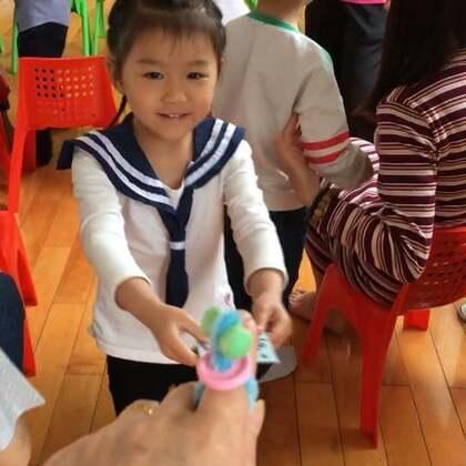 幼儿园的家长开放日,提前母亲节礼物活动。#莉莉在幼儿园の日子##2018.5.10##宝宝#