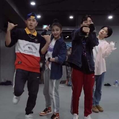#舞蹈##1milliondancestudio# 【1M】Koosung Jung编舞Freaky Friday 更多精彩视频请关注微信公众号:1MILLIONofficial 微信客服请咨询:Million1zkk