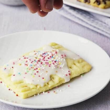 周而复始的生活需要一些简单易做的缤纷小甜点来丰富一下生活,这款甜馅饼让你在30分钟内心情瞬间好起来来。#甜点##美食##烘焙#