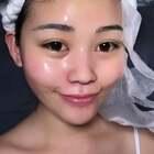 化妆之前可以先敷个补水面膜 然后就是水祛多涂一点让她吸收