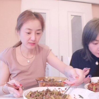 #吃秀##家庭自制美食#家常饭菜,仔姜鸭,没时间剪辑,在收拾行李呢,早班机😞