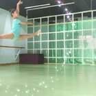 #宝宝##舞蹈##运动#颂赞未来舞蹈艺术团。起份儿古典,造型芭蕾,我也是搞不懂了…咱下次起份儿能不能芭蕾?@宋卓凡