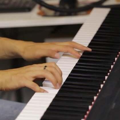 听妈妈的话-钢琴版。祝所有的妈妈母亲节快乐!#音乐##母亲节快乐#