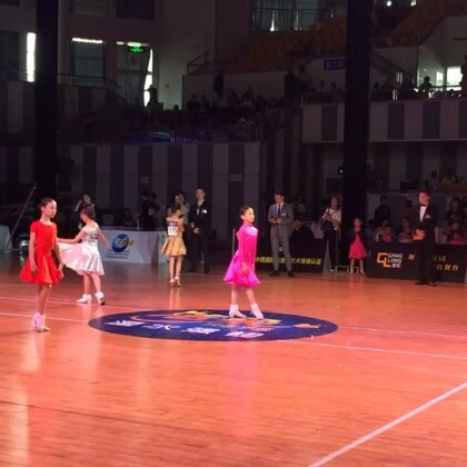 #i舞频道#2018CCAT城市联赛徐州站10岁女单精英决赛伦巴