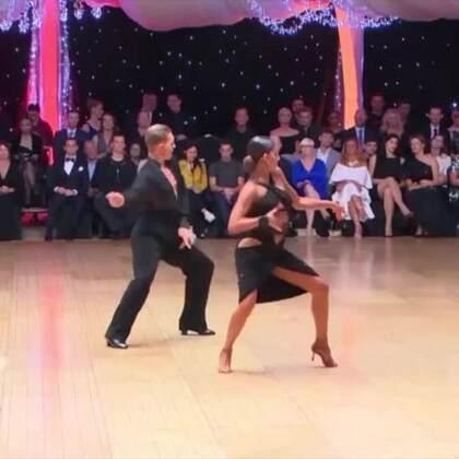 据说ina姐的这套恰恰套路,是很多人心中的NO.1,是这样吗?#热门##拉丁舞##舞蹈#