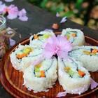 #吃货##我要上热门#@美拍小助手 樱花饭团,也可以叫樱花寿司😊(我竟然漏发了这个视频)非常容易上手的一道🍉菜,孩子都爱❤️(浮力来了,关注点赞转发此视频,抓3位送寿司专用海苔礼包)#舌尖上的美食#