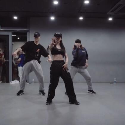 #舞蹈##1milliondancestudio# 【1M】Soi Jang编舞Bar Code 更多精彩视频请关注微信公众号:1MILLIONofficial 微信客服请咨询:Million1zkk
