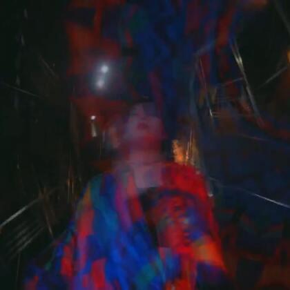 #舞蹈##1milliondancestudio# 【Hyojin Choi外景片】Hyojin Choi编舞Kawibawibo , @MinaMyoung @yooyoojung @koosungjung9 一同友情出演 更多精彩视频请关注微信公众号:1MILLIONofficial 微信客服请咨询:Million1zkk